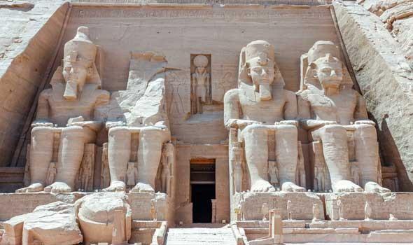 عملية مذهلة لكشف الشكل الأصلي لوجوه 3 مومياوات مصرية