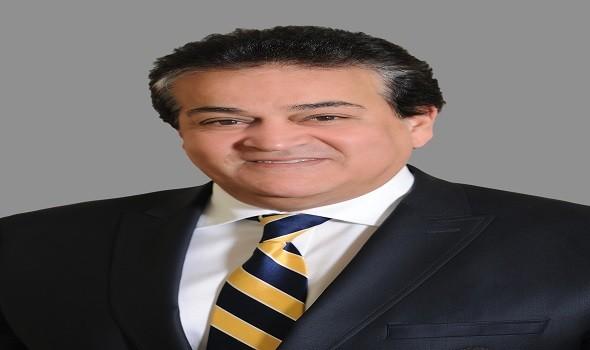 وزير التعليم المصري يؤكد على التعاون لتوفير اللقاحات للعاملين بالجامعات قبل بدء العام الدراسي