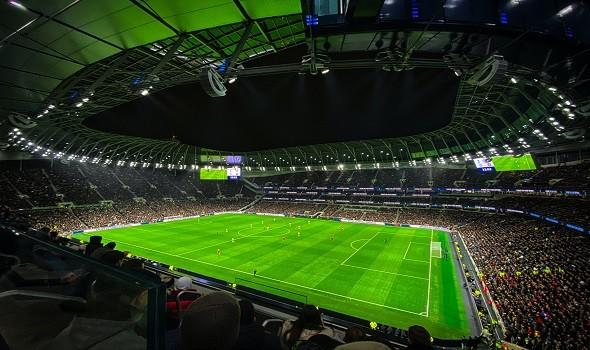 أتلتيكو مدريد يتغلب على ميلان بهدفين مقابل هدف في دوري أبطال أوروبا