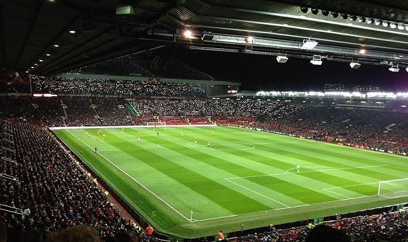 مانشستر يونايتد يتعاقد رسمياً مع الفرنسي فاران مقابل 47 مليون دولار