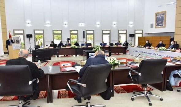 المغرب اليوم - قرار تأخير موعد الدخول المدرسي في المغرب يكبد الكُتبيين خسائر مالية غير متوقعة