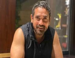 المغرب اليوم - كريم فهمي يحل ضيفا على أمير كرارة في «سهرانين»