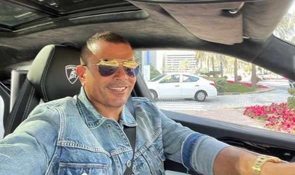 عمرو دياب يُلمح بعودته إلى دينا الشربيني