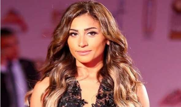 دينا الشربيني تستأنف تصوير فيلمها الجديد حامل اللقب