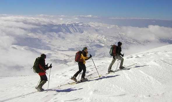 المغرب اليوم - نرويجي يحاول التزلج 40 كم هرباً من