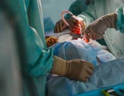 المغرب اليوم - دبي تشهد إنجازاً طبياً بإجراء أول عمليتين جراحيتين بواسطة الروبوت للتبرع بالكلى