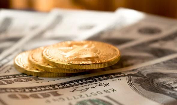 """العملات المشفرة على رأسها """"بيتكوين"""" ستحل محل الدولار الأميركي وسط تحذيرات """"زلزالية"""""""