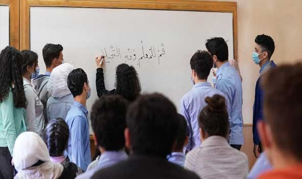 المعلمة الفلسطينية رشا أبو عيشة طورت نفسها وحصدت جائزة الإبداع