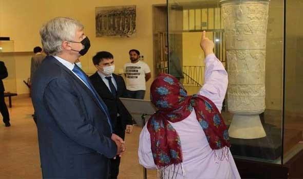 متحف إيف سان لوران في مراكش يحتفي بالصداقة المغربية