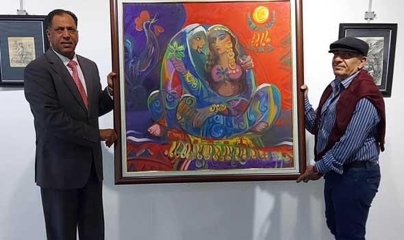 لوحات تحتفي بالشغف الفني في مدينة الصويرة