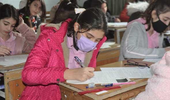 3 ملايين طالب بلا كتب في إيران مع اقتراب بدء العام الدراسي
