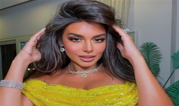 المغرب اليوم - فستان وقبعة ياسمين صبري تخطف الأنظار رفقة شقيقها