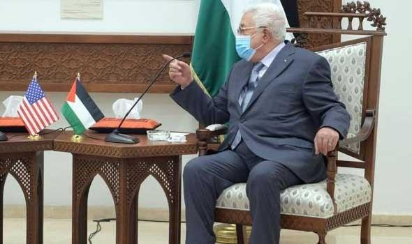 غانتس يلتقي الرئيس الفلسطيني محمود عباس في رام الله