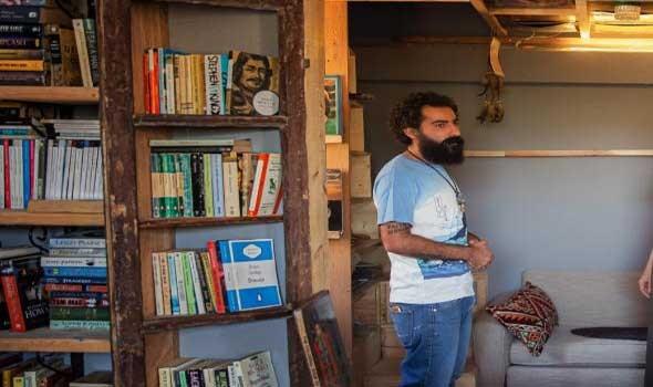 الروائي التنزاني عبدالرزاق قرنة يفوز بجائزة نوبل للآداب 2021
