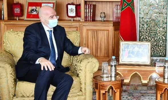 رئيس فيفا يهنئ لقجع على المنصب الوزاري