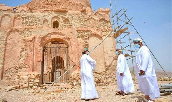 الإخوة عساف ينحتون عالمهم في صخور جبل لبنان