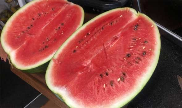 فوائد البطيخ لتحسين البشرة والعناية بها وأفضل خلطاته