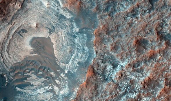 المغرب اليوم - علماء يطورون خرسانة للبناء على كوكب المريخ من
