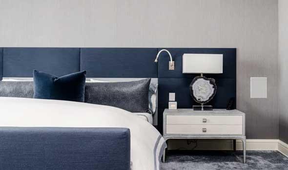 المغرب اليوم - أنواع الإضاءة في تصميم غرف النوم  لمنزل عصري