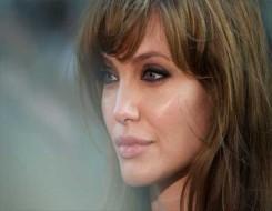 المغرب اليوم - فتاة أفغانية تدفع أنجيلينا جولي إلى دخول إنتسغرام