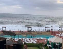 المغرب اليوم - إزدحام مروري في شواطئ أكادير بسبب توافد مئات المواطنين الهاربين من موجات الحرارة