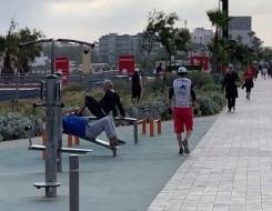 المغرب اليوم - ابتكار أرضيات خشبية تولد الكهرباء من خطوات الأقدام