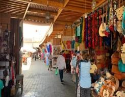 المغرب اليوم - تجار ساحة القزادرية في مراكش يطالبون بإصلاح المصابيح الأرضية الكاشفة