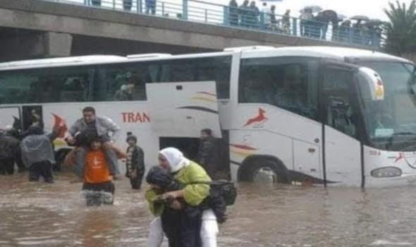"""الإعصار """"آيدا"""" يسفر عن 8 قتلى ويخلّف فيضانات في نيويورك وسط إعلان حالة الطوارئ"""