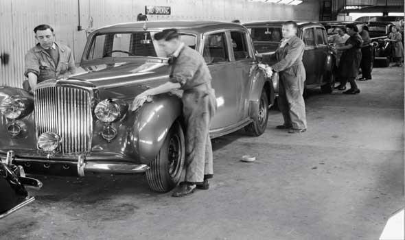 """سيارة """"وحش 1979 الأسطوري"""" الفريدة من نوعها تعود إلى الظهور في لندن"""
