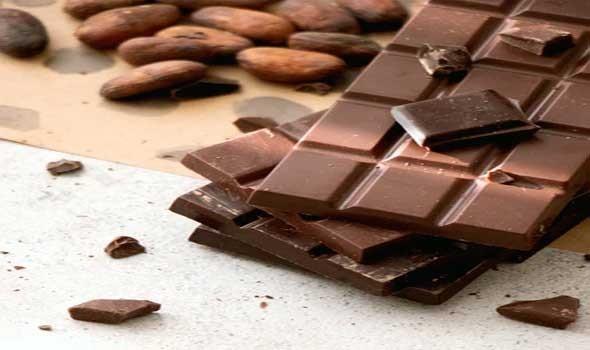طرق منزلية لإزالة بقع الشوكولاتة من الملابس