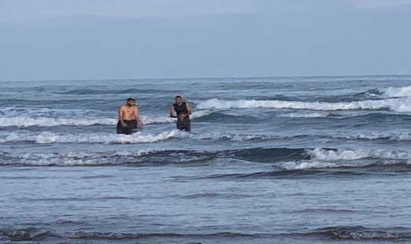 """تلوث """"كارثي"""" يضرب شواطئ ليبيا ويحرم السكان من الاستمتاع بموسم الصيف"""