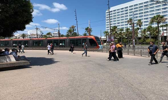 حافلات النقل العمومي تخرق القانون والسلطات تغض الطرف عن ذلك وسط استياء الرأي العام المحلي