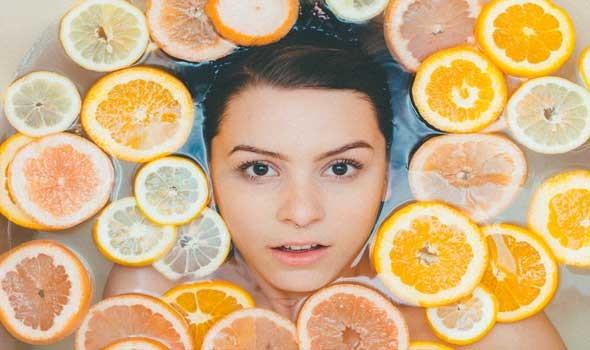 وصفات طبيعية للتخلص من تجاعيد الجبهة والحصول على بشرة أكثر شبابا