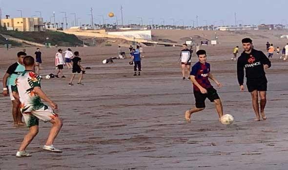 المغرب اليوم - حملات تحسيسة ضد فيروس كورونا تستهدف رواد شواطئ المضيق – الفنيدق