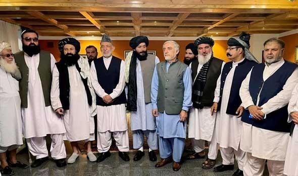 أفغان يدفنون رسماتهم ويحرقون كتبهم خوفا من طالبان