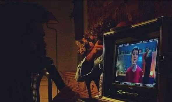 """المغربية هدى الريحاني تعلن عن عرض عملها """"أنا منتج"""" في كندا"""