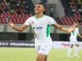 المغرب اليوم - الدولي المغربي سفيان رحيمي يعبرعن عادته عقب تتويجة بجائزة أفضل لاعب في الدوري المحلي