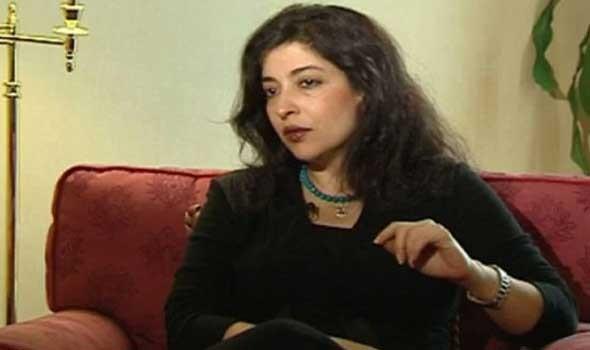 الناقدة المصرية شيرين أبو النجا تحلم أن يتحول النص النقدي لإبداعي