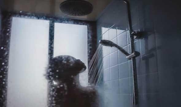 أفكار متنوعة لتجديد الحمام دون إزالة البلاط