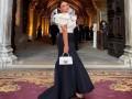 المغرب اليوم - درة تتألق بفستان أنيق من دار الأزياء العالمية