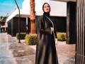 المغرب اليوم - عبايات باللون الأسود لإطلالة كلاسيكية متميزة وأنيقة